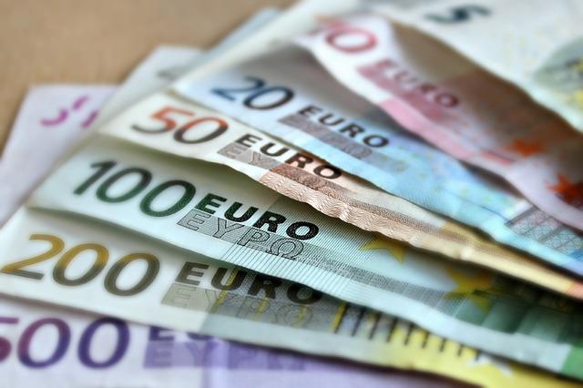 druhy eurobankovek.jpg