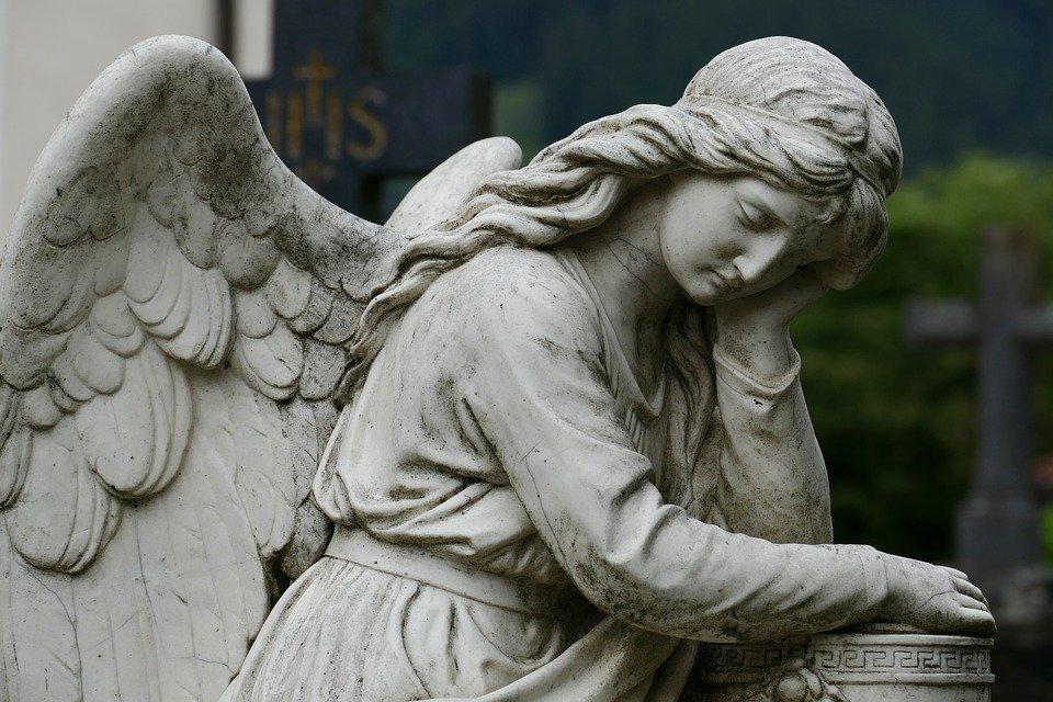 socha náhrobek